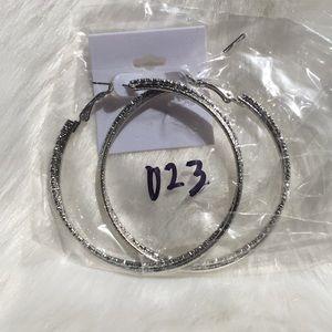 Jewelry - Brand New round silver shinny glitter ✨ earrings
